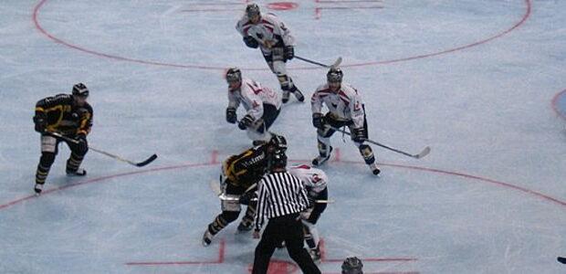 Vsetín – Ve 44. kole 2. hokejové ligy – Východ prohráli hokejisté SK Karviné na ledě VHK Vsetín 2:5 a po základní části končí s 28 body na poslední 11. […]