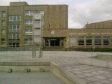Karviná – Slezská univerzita v Karviné – Fryštátě s univerzitním náměstím a univerzitním parkem (dříve parkem Julia Fučíka) dělá z Karviné univerzitní město.