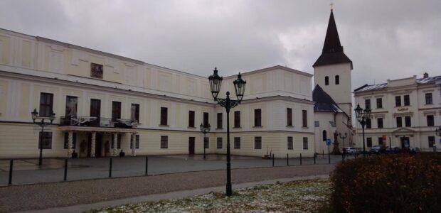 Karviná – Zámek Fryštát v Karviné – Fryštátě postavený v roce 1288 knížetem Měškem I. Těšínským z rodu Piastovců, od roku 1792 obývaný hraběcím rodem Larisch-Mönnichů. Před zámkem se nachází […]